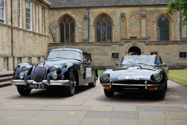 Classic cars in historic Oxford College
